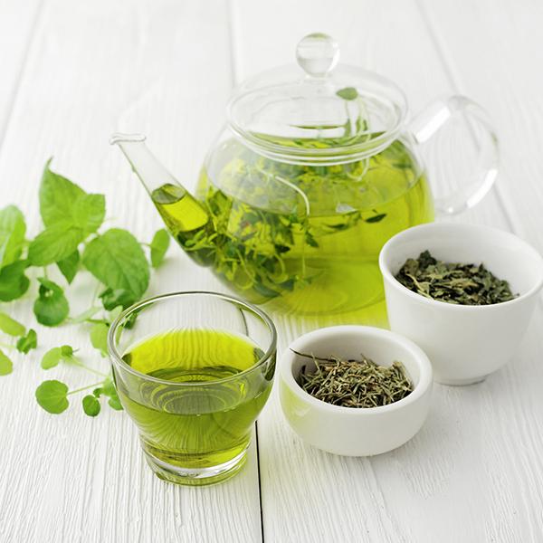 4 benefici del tè verde