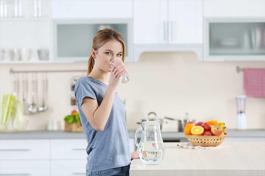 bere acqua non alcol