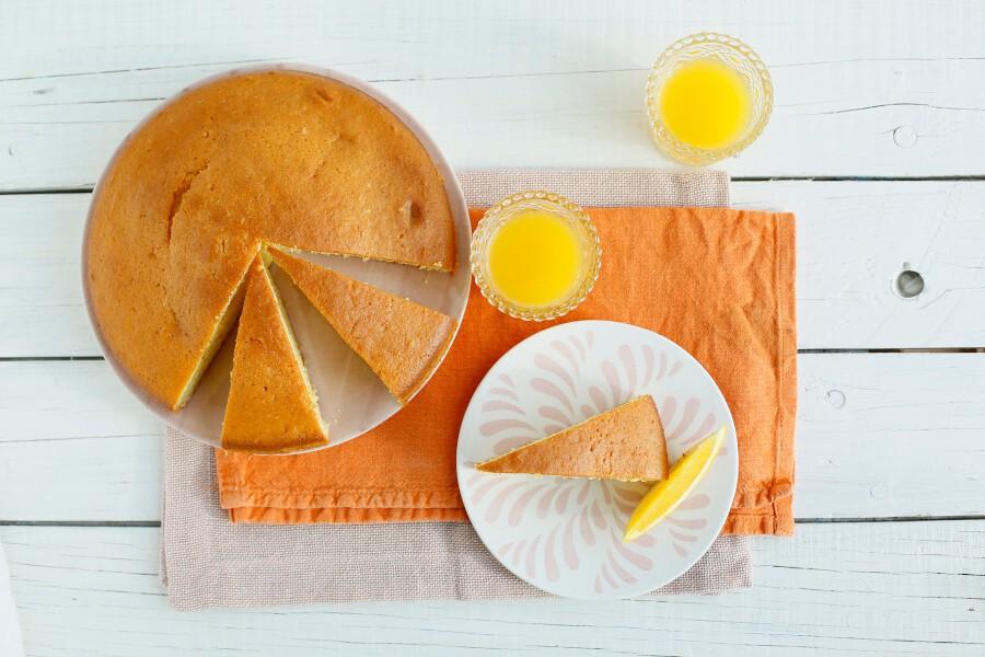 Preparazione torta arancia light